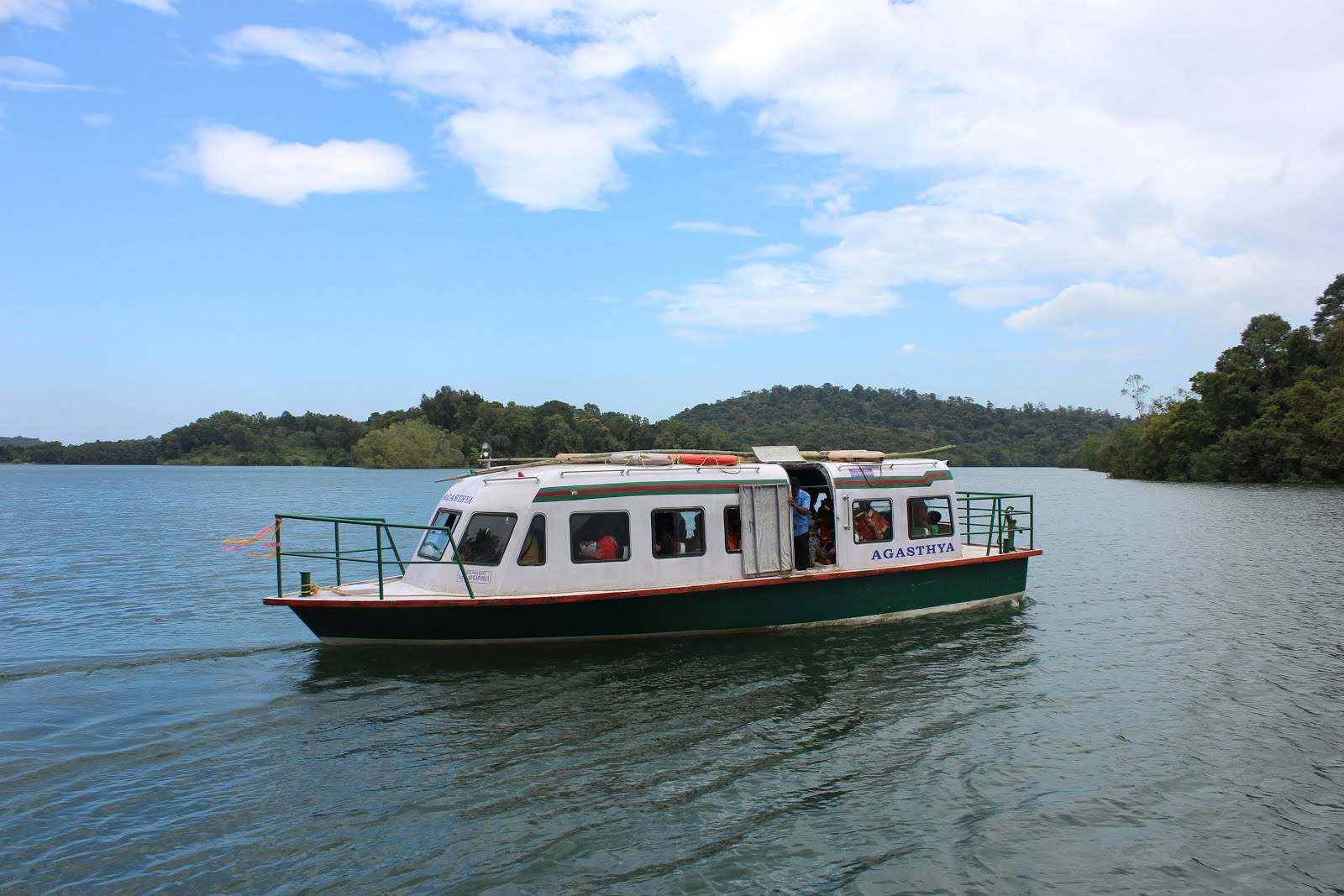 Ferries that transport you to the Neyyar Lion safari park