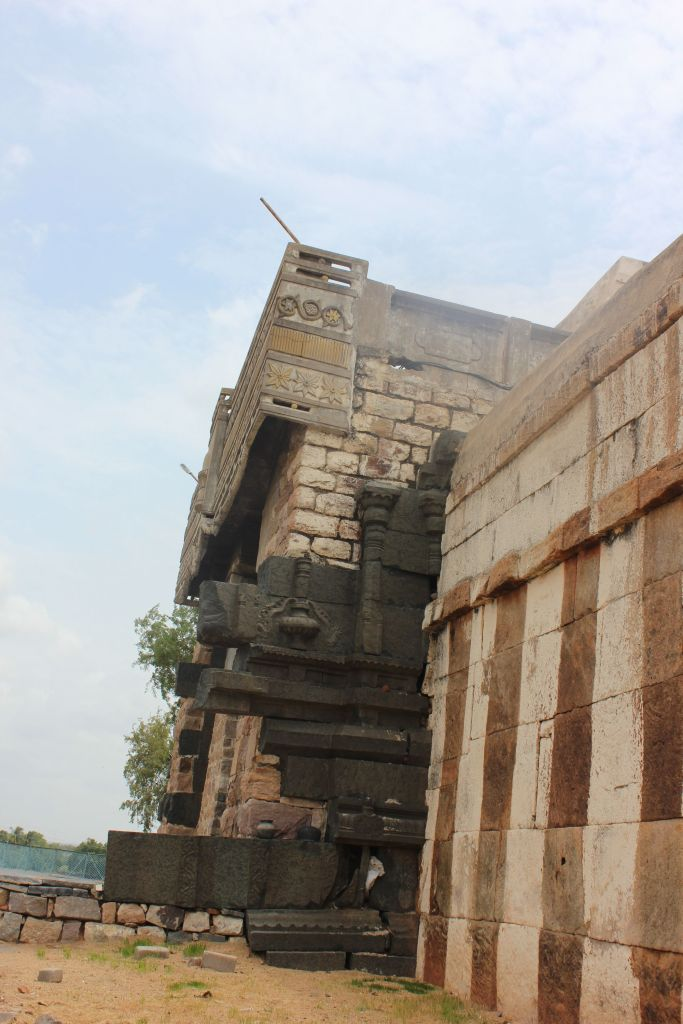 Bugga Ramalingeswara Swamy Temple Gopuram facing the river Penna