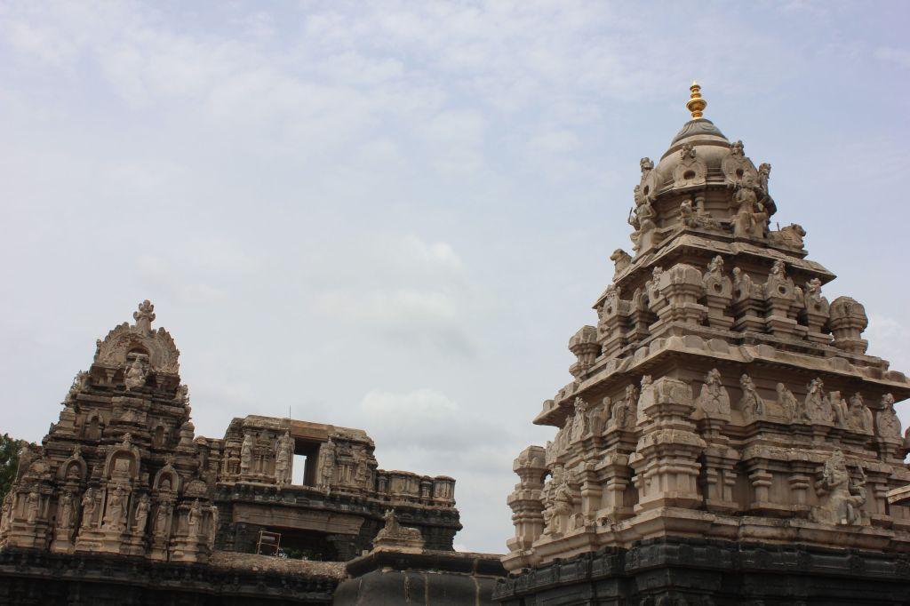 Bugga Ramalingeswara Swamy Temple: Sanctum Sanctorum